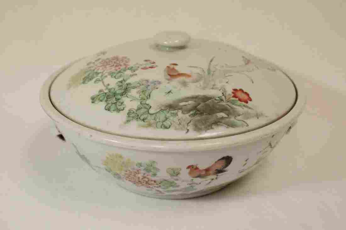 Chinese early 20th c. famille rose covered bowl