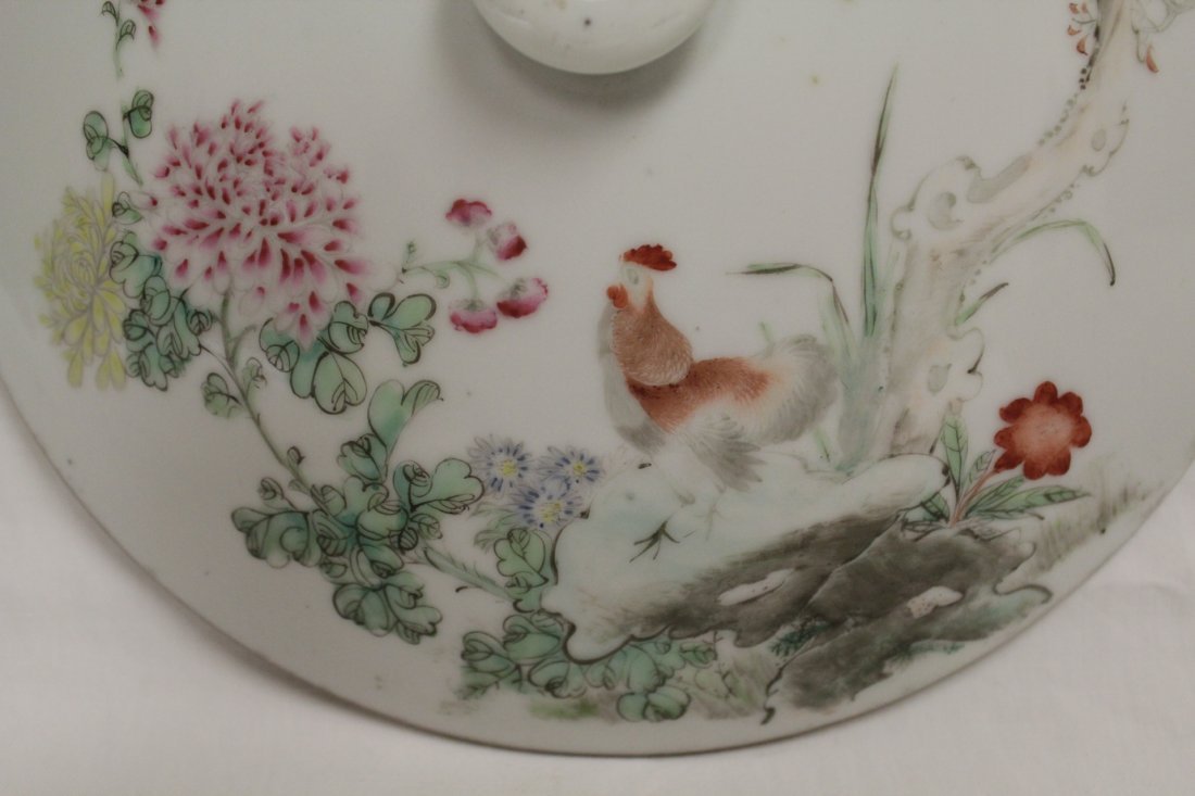Chinese early 20th c. famille rose covered bowl - 5