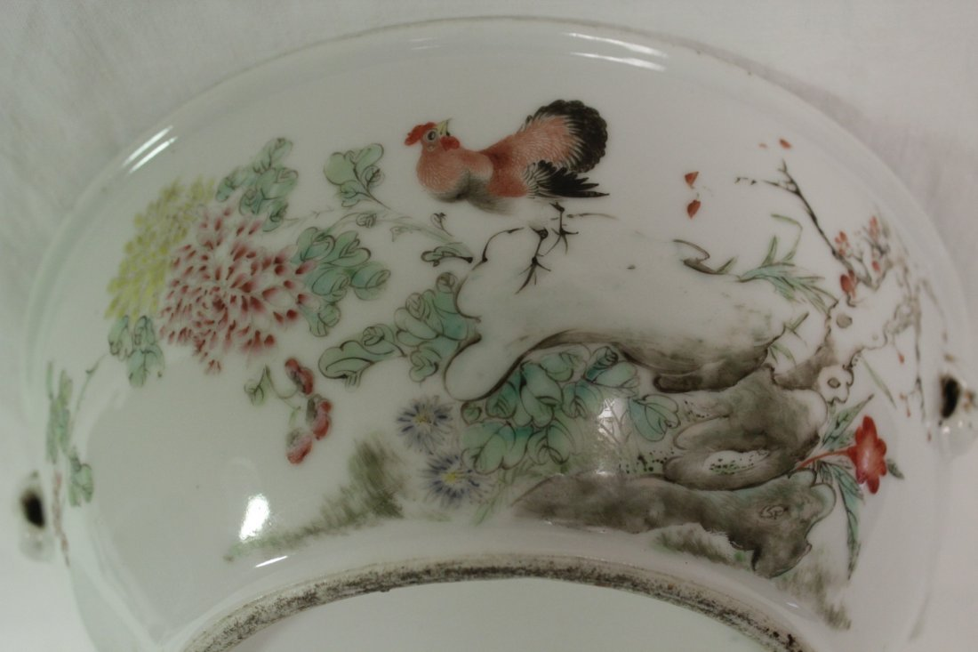 Chinese early 20th c. famille rose covered bowl - 6