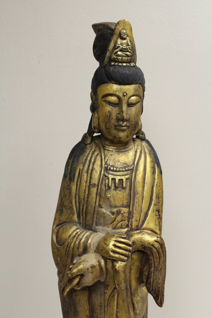 Large Chinese gilt wood Guanyin - 2