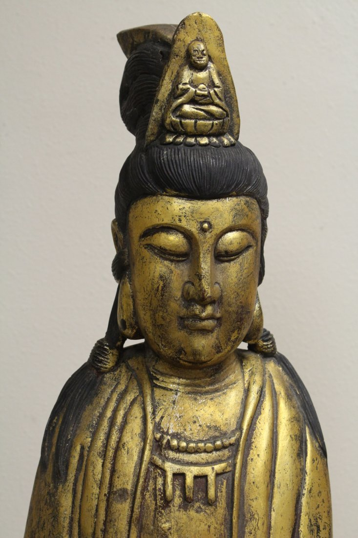 Large Chinese gilt wood Guanyin - 4
