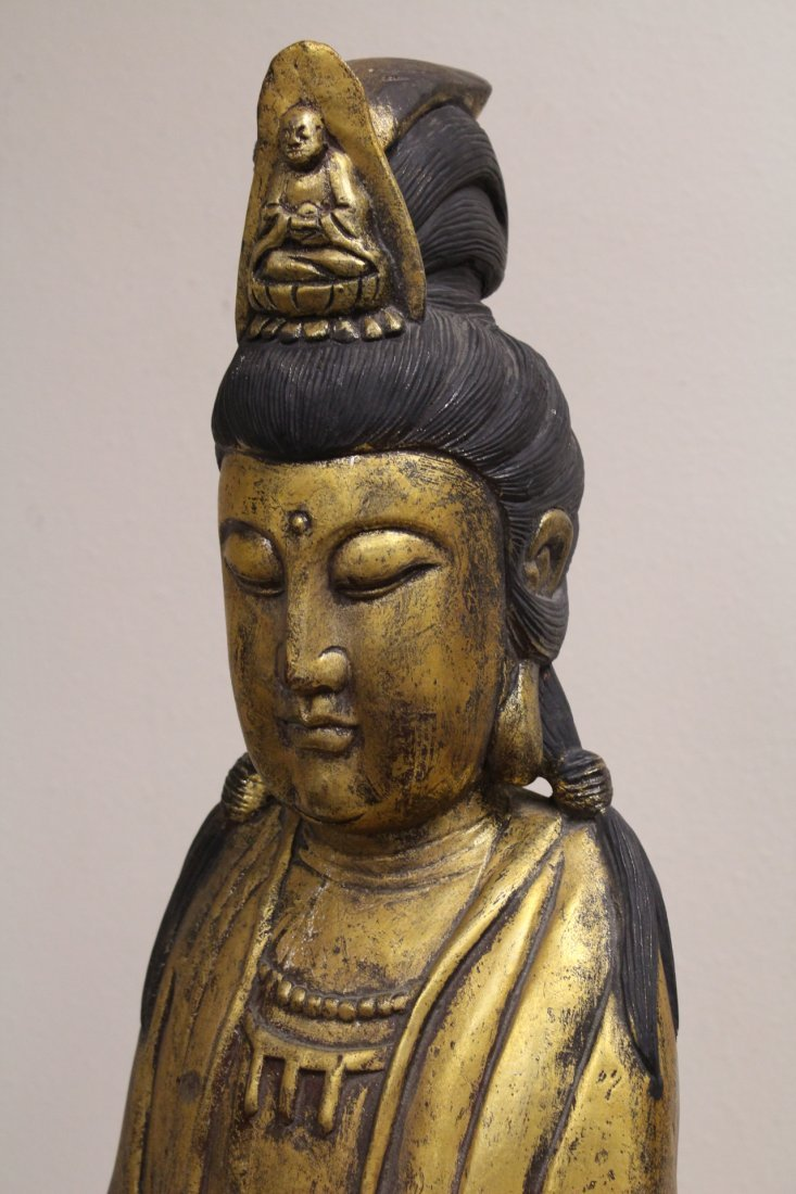 Large Chinese gilt wood Guanyin - 8