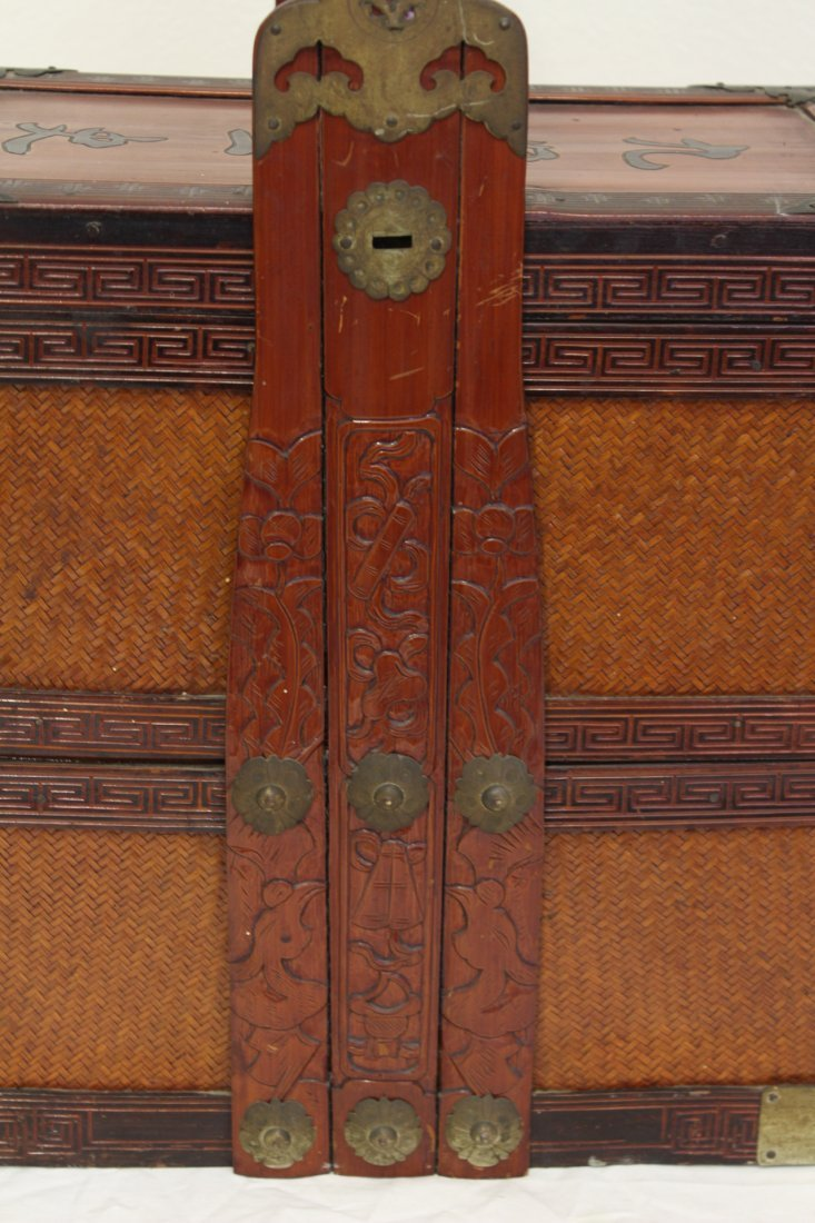 Chinese antique bamboo carrying case for books - 9