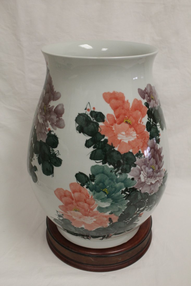 Chinese wucai large porcelain jar - 2
