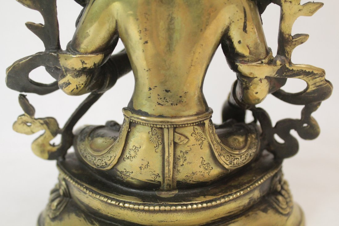 Chinese brass sculpture of seated Buddha - 9