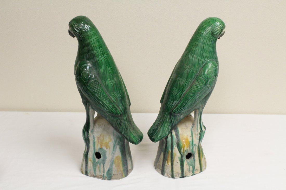 Pair Chinese sancai porcelain parrots - 5