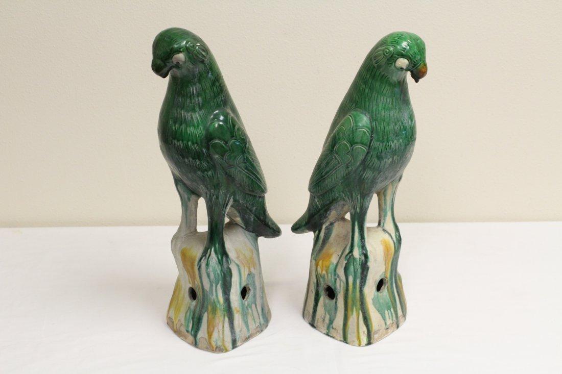 Pair Chinese sancai porcelain parrots - 6