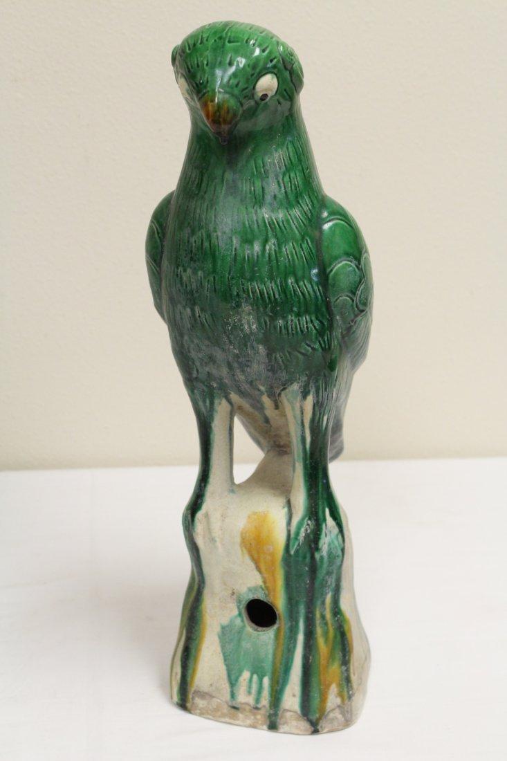 Pair Chinese sancai porcelain parrots - 7