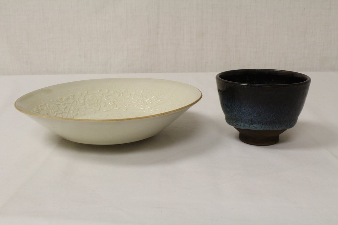 2 Song style porcelain bowls
