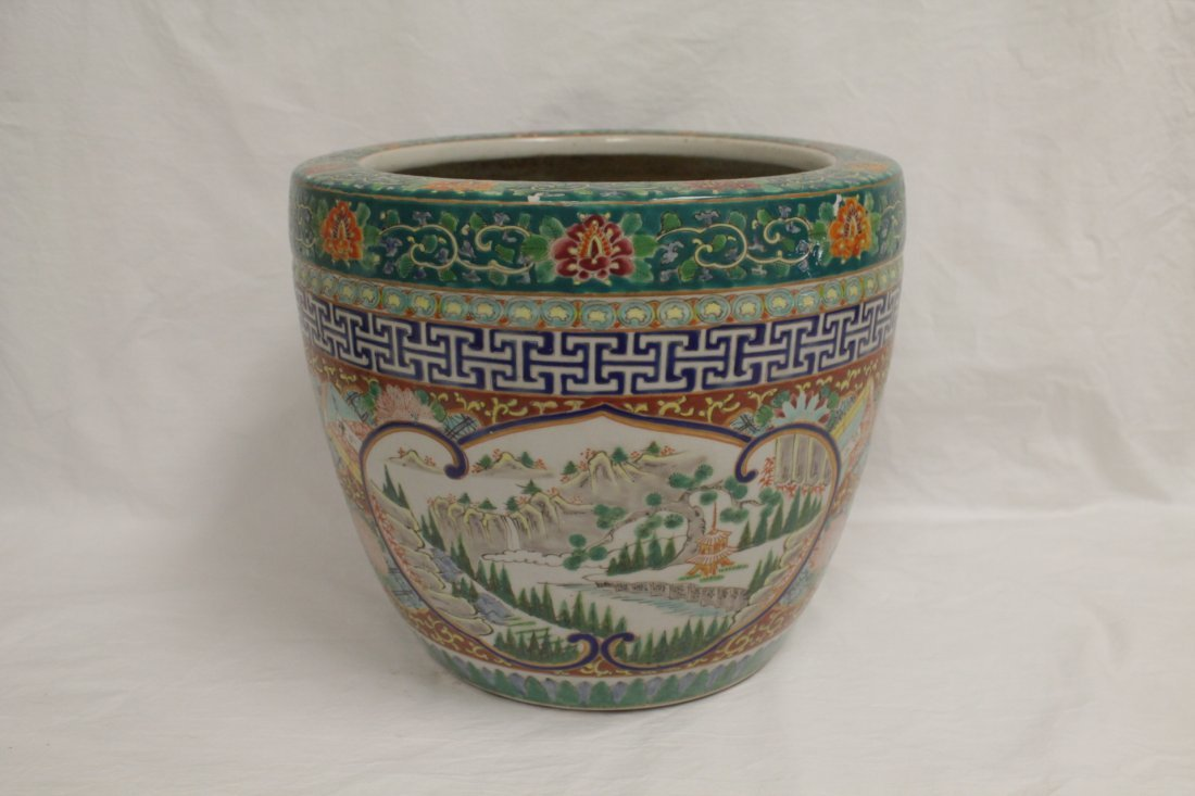 Chinese antique famille rose porcelain planter