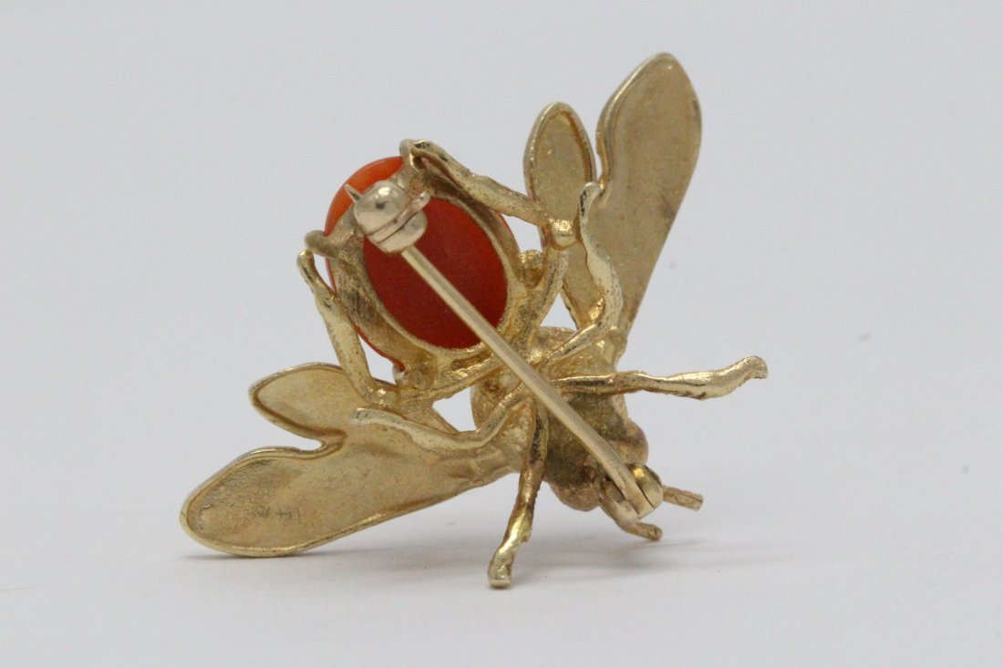 14K Y/G coral brooch in bee motif - 2
