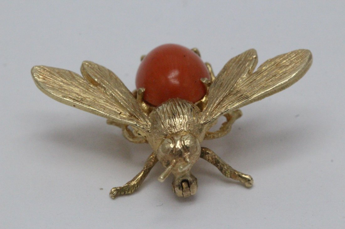 14K Y/G coral brooch in bee motif - 4