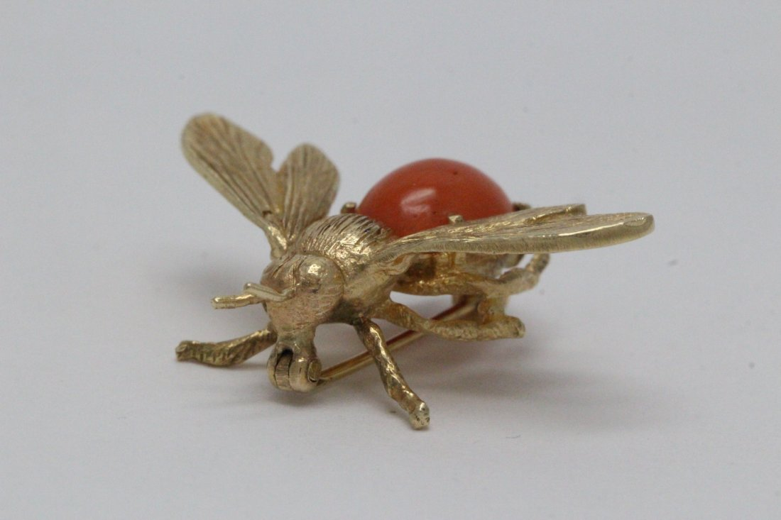 14K Y/G coral brooch in bee motif - 5