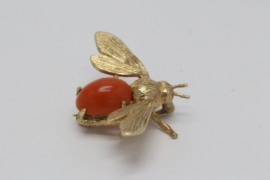 14K Y/G coral brooch in bee motif - 7