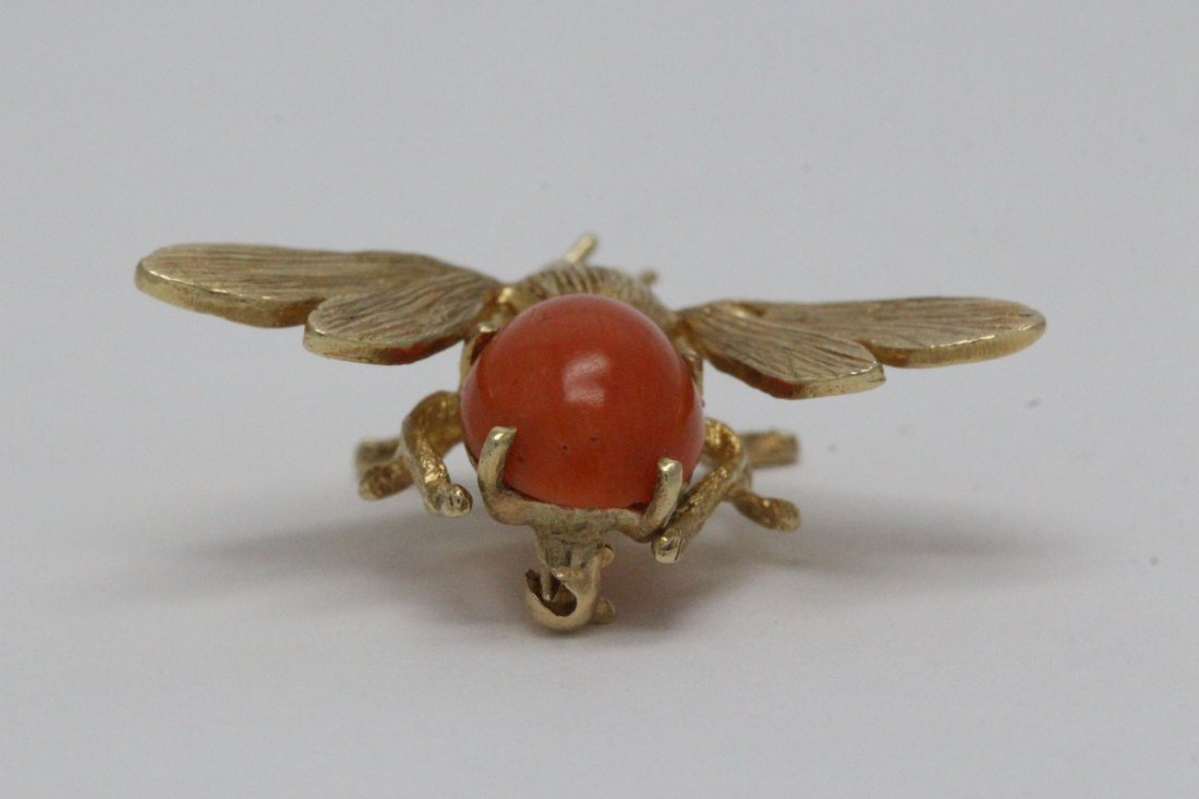 14K Y/G coral brooch in bee motif - 8