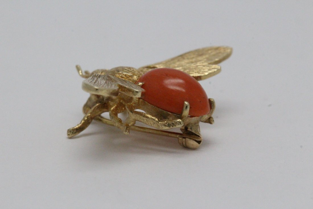 14K Y/G coral brooch in bee motif - 9