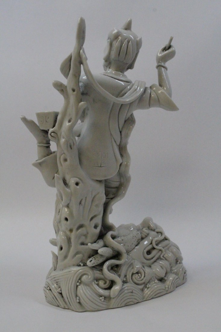 Chinese white porcelain sculpture of Lohan - 4