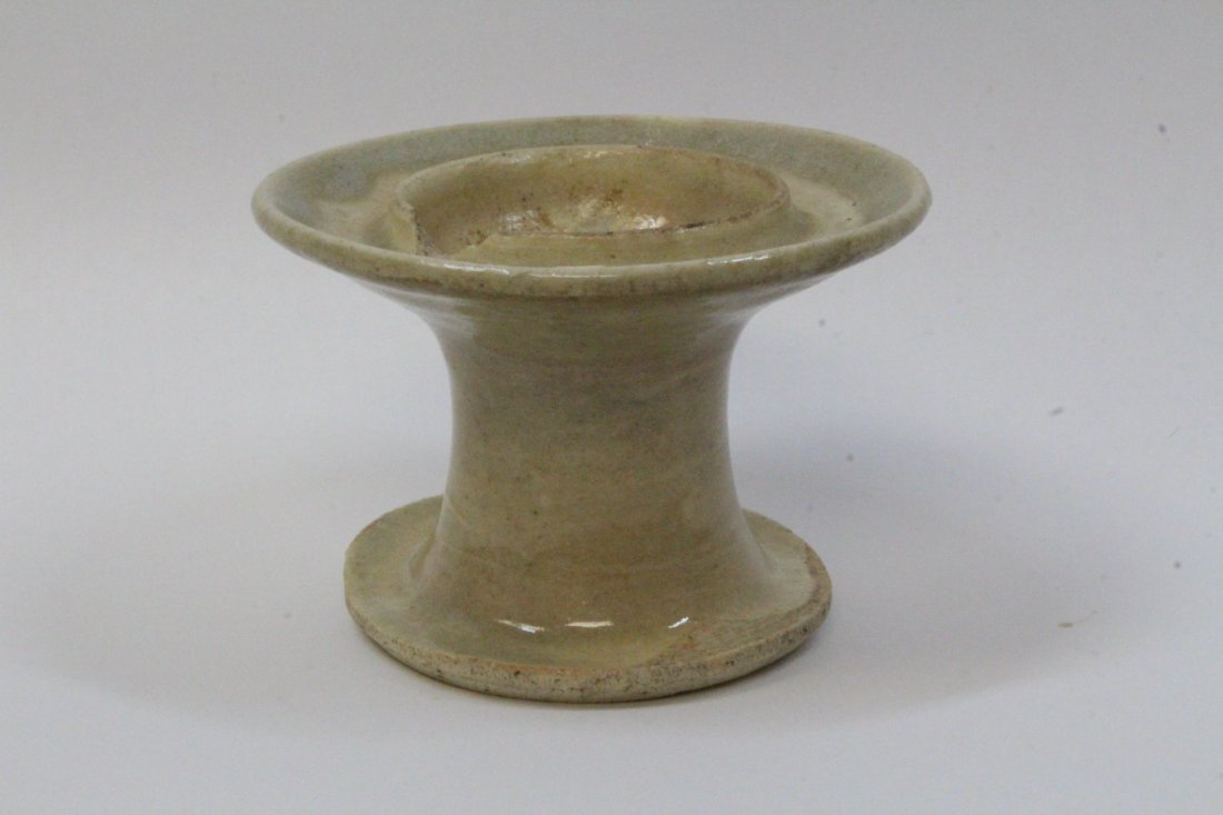 Chinese antique light celadon oil lamp