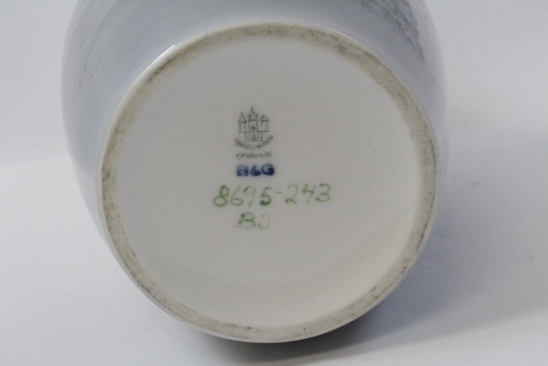 3 Royal Copenhagn porcelain pieces - 3