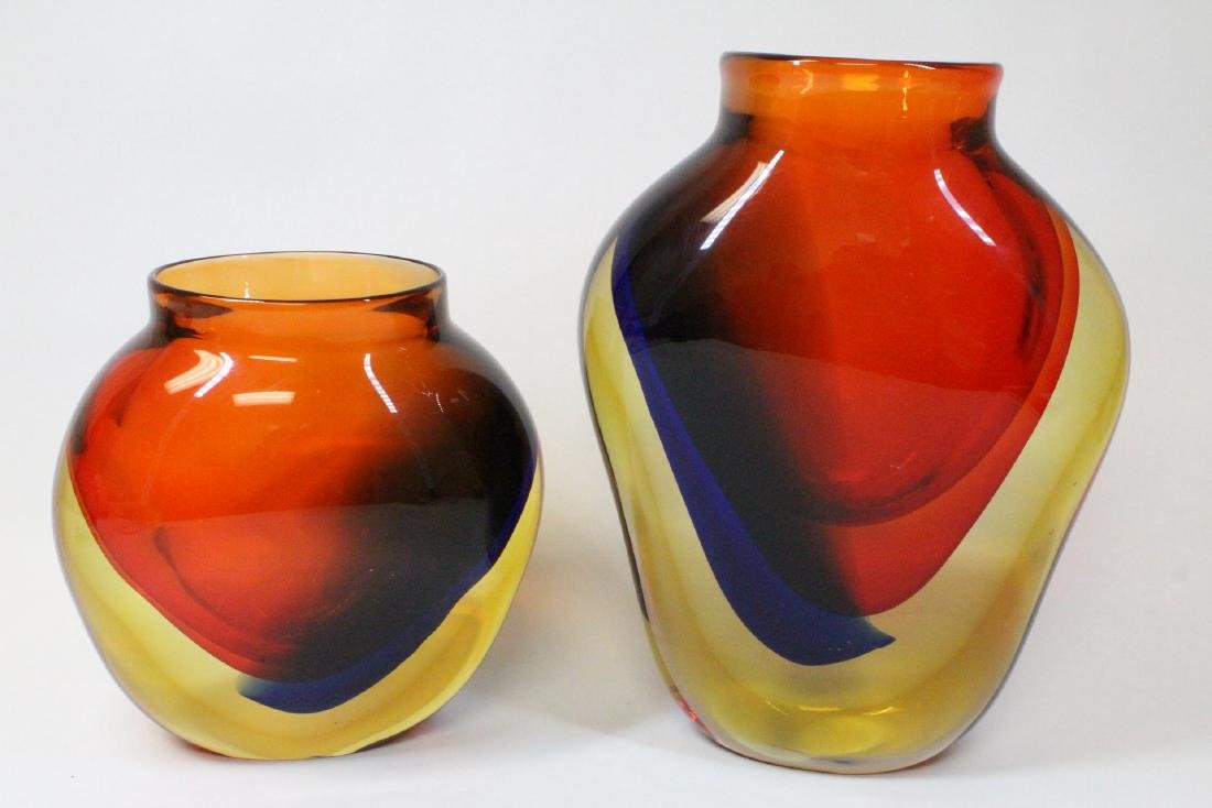 2 beautiful Italian art glass vases