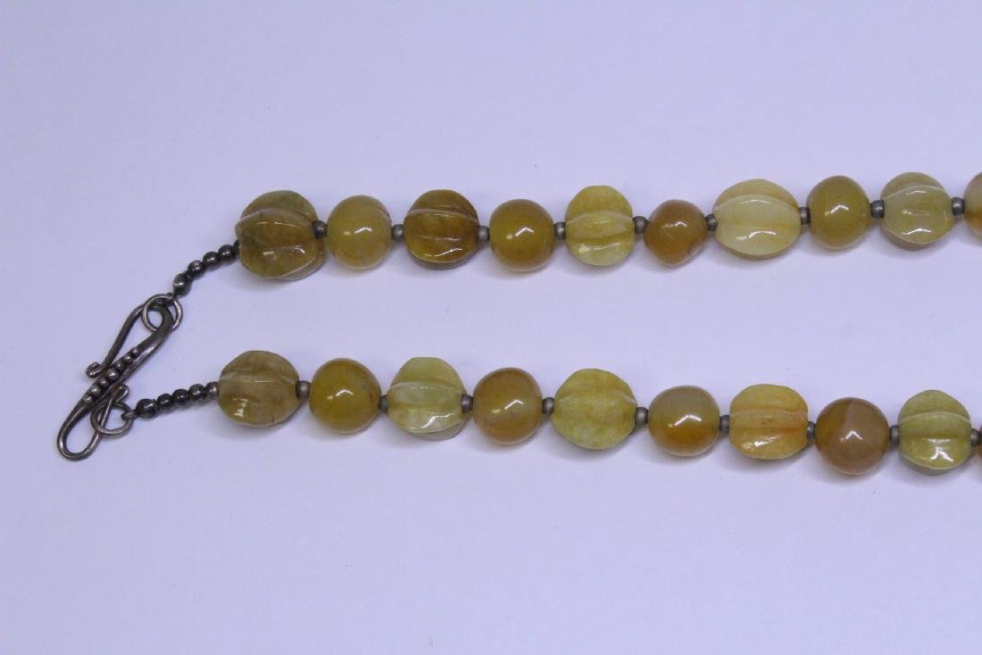 Chinese agate and jadeite(?) bead necklace - 2