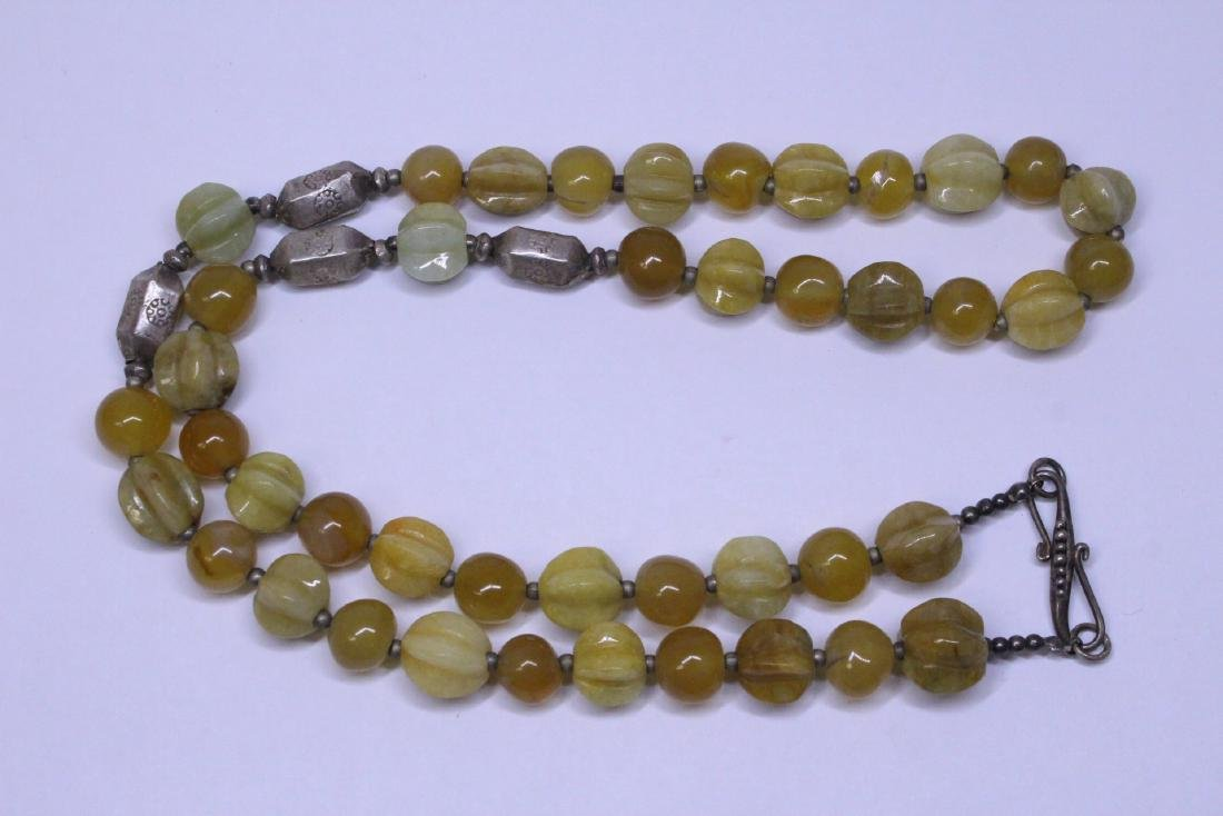 Chinese agate and jadeite(?) bead necklace - 5