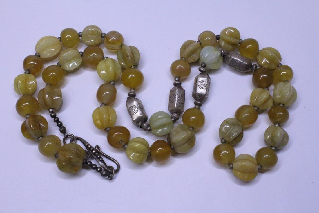 Chinese agate and jadeite(?) bead necklace - 9
