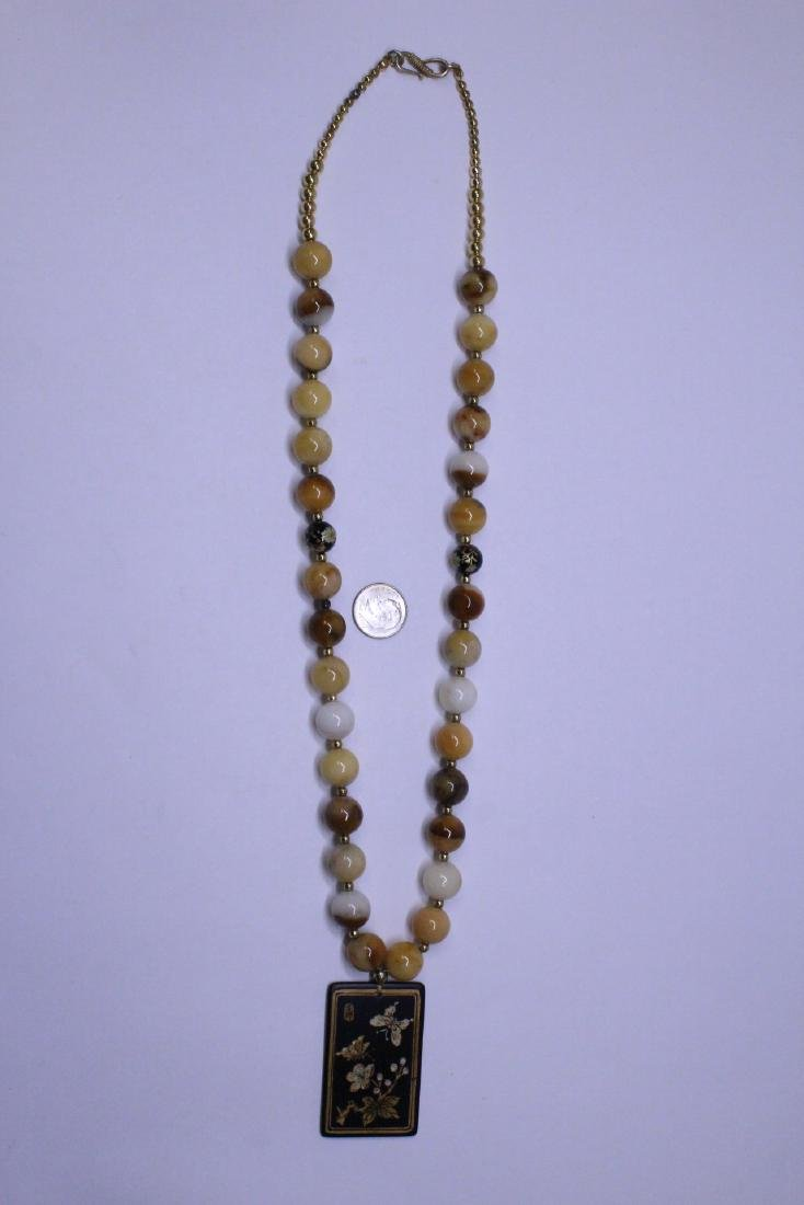 Chinese agate bead necklace w/ lacquer plaque