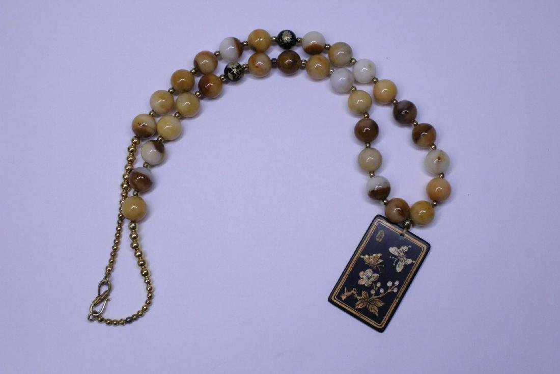 Chinese agate bead necklace w/ lacquer plaque - 2