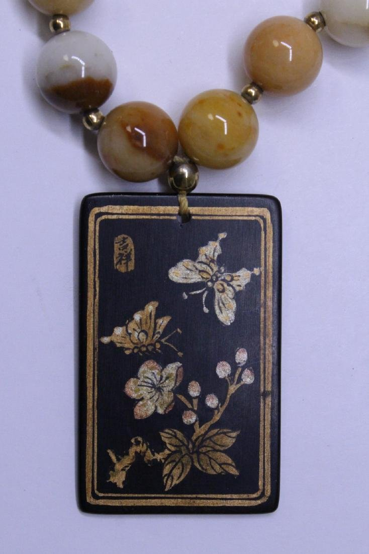 Chinese agate bead necklace w/ lacquer plaque - 5