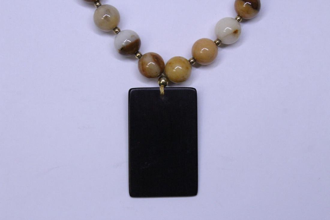 Chinese agate bead necklace w/ lacquer plaque - 6