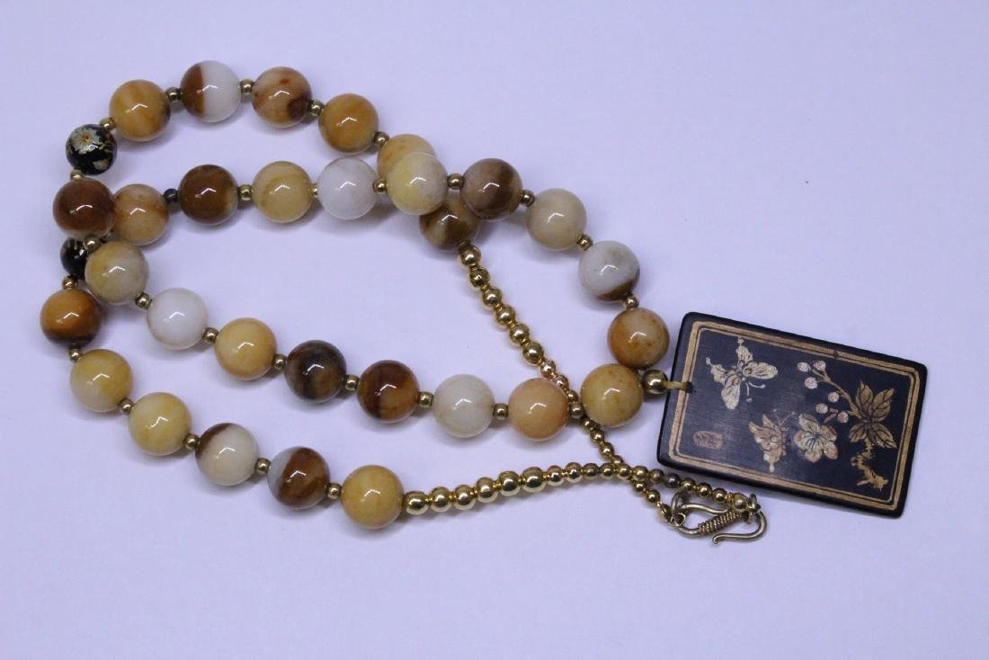 Chinese agate bead necklace w/ lacquer plaque - 7