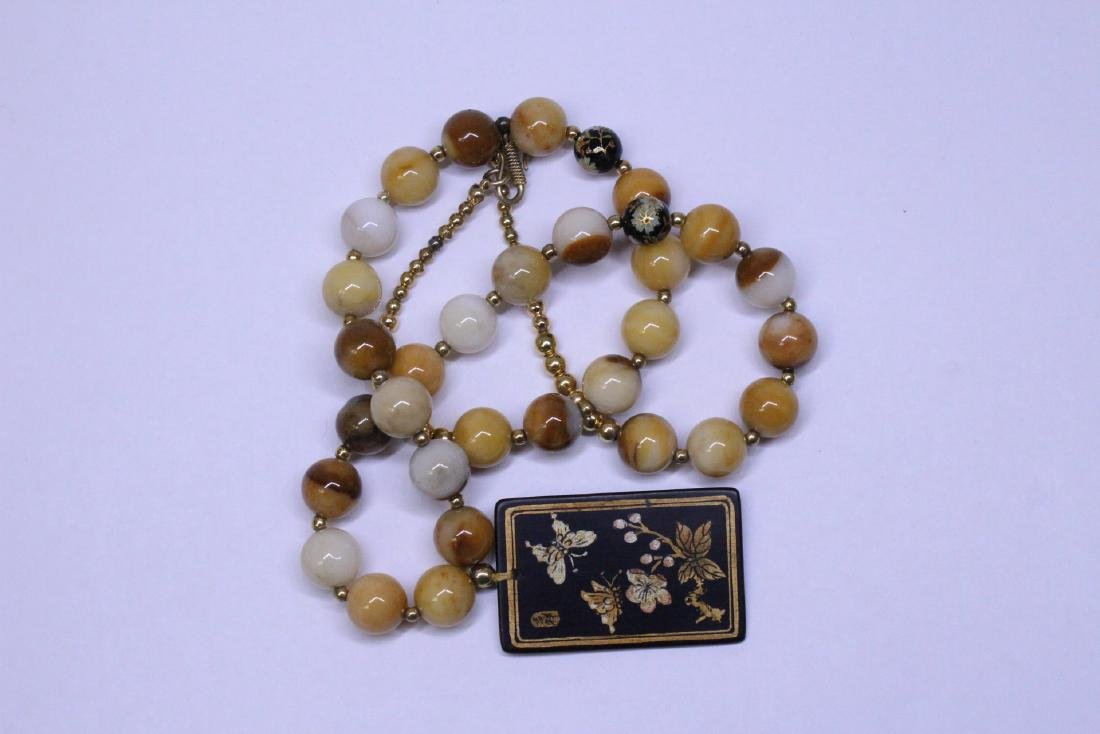 Chinese agate bead necklace w/ lacquer plaque - 8
