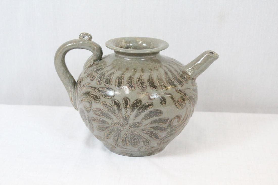Korean porcelain teapot & Korean bronze mirror - 4