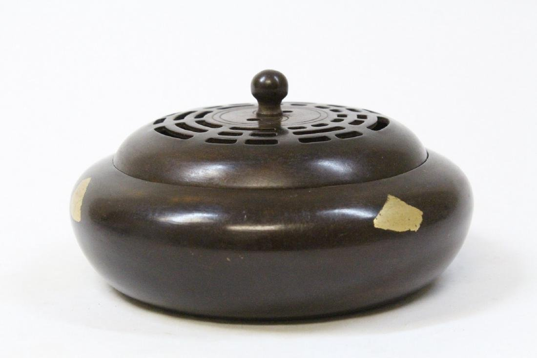 A very heavy Chinese bronze covered censer - 3