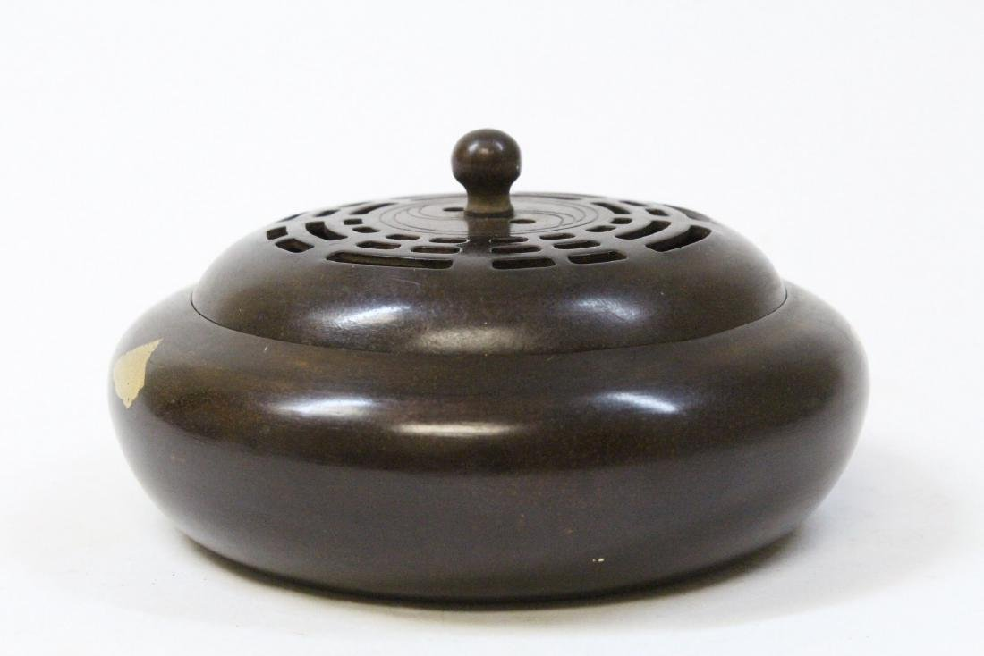 A very heavy Chinese bronze covered censer - 4