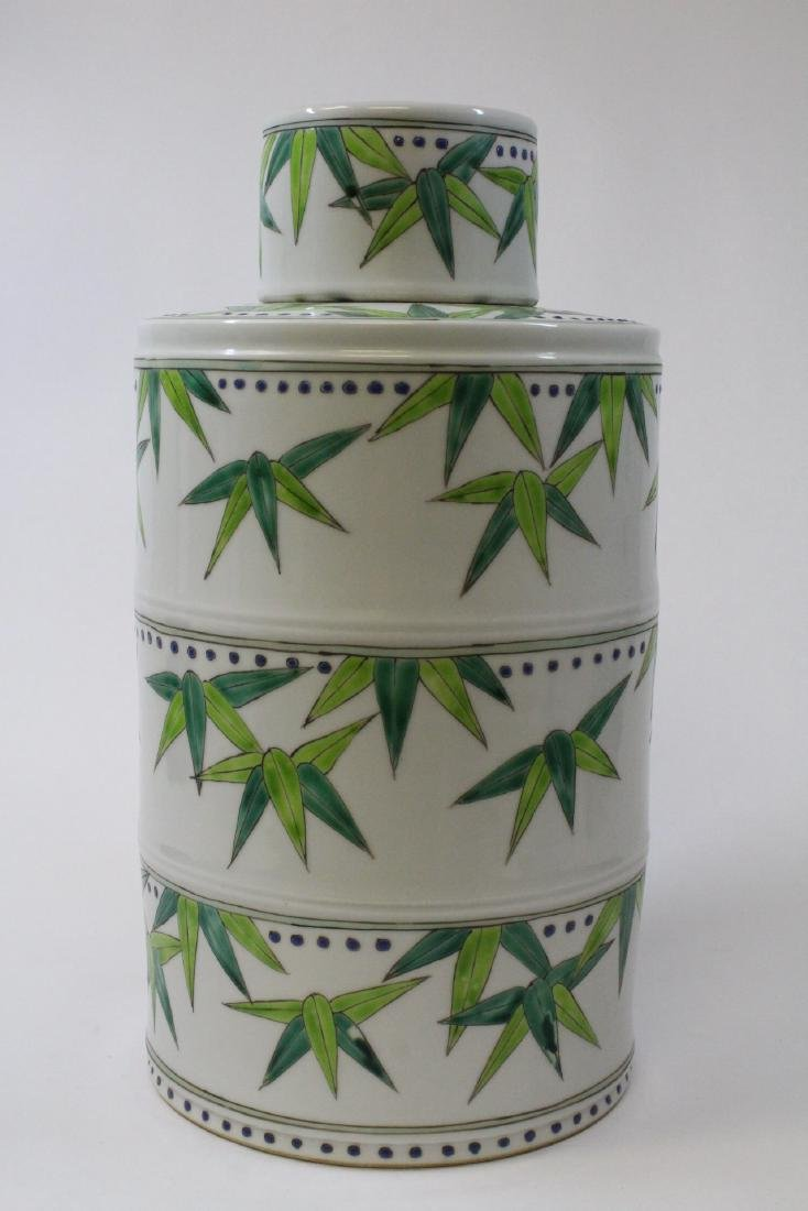 Chinese wucai porcelain candy jar - 4
