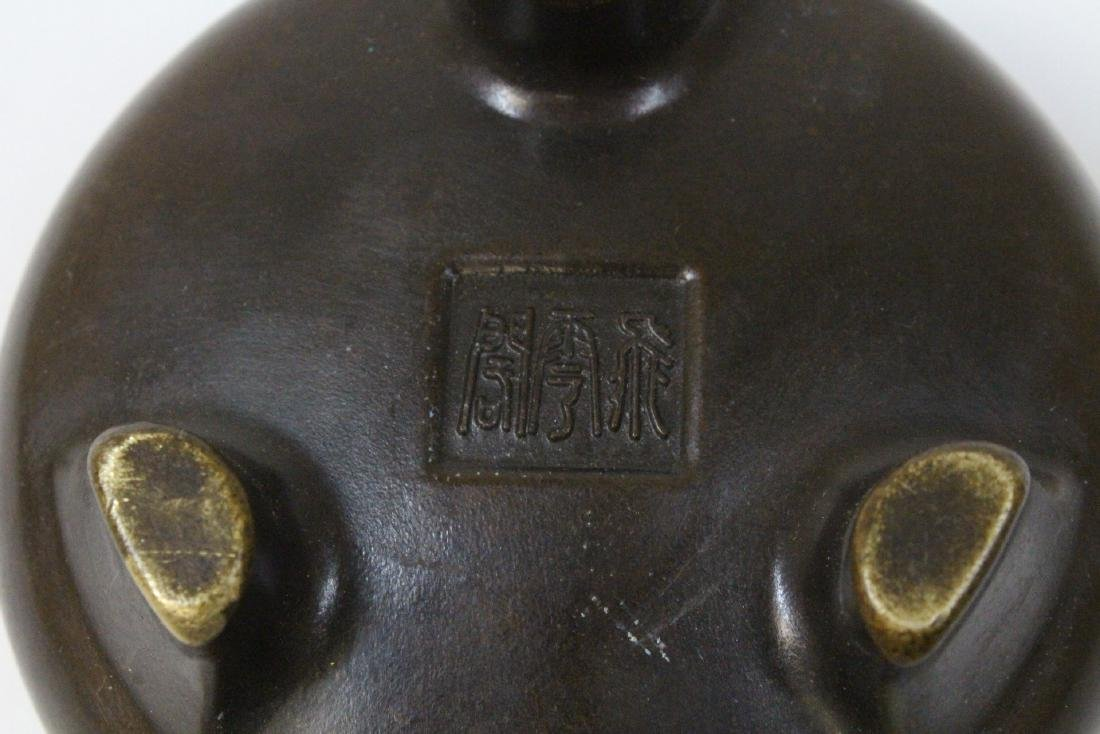 Chinese very heavy round bronze censer with cover - 8