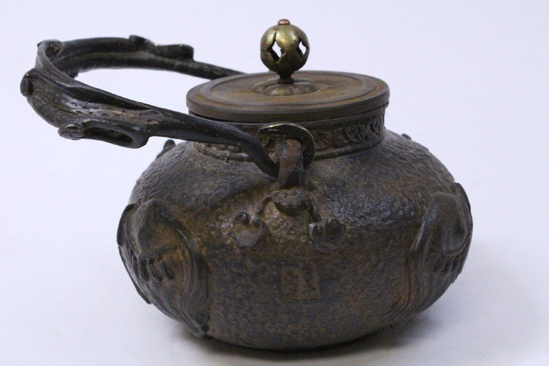 Chinese cast iron teapot - 4