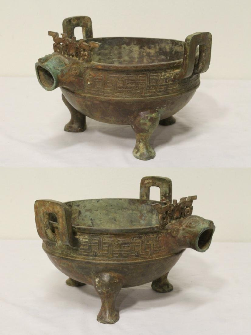 Chinese archaic style bronze tripod ding - 3