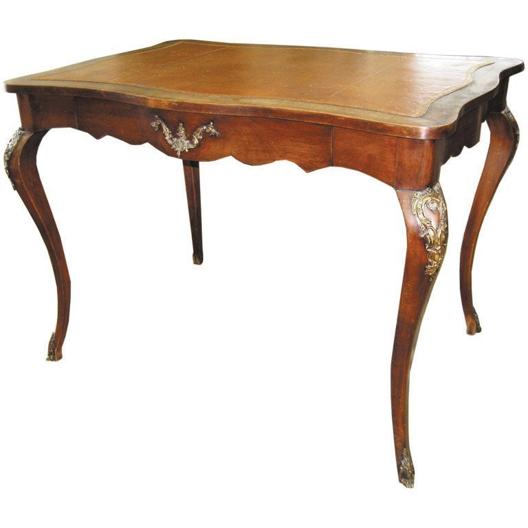 7: A writing desk with bronze mounts, French, 19th cent