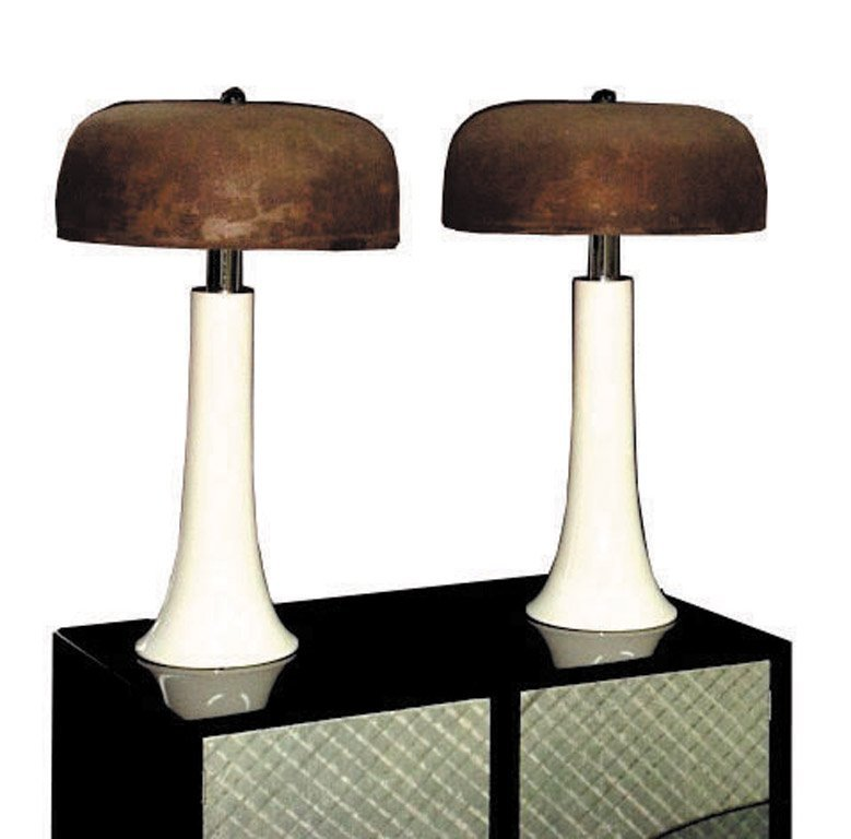 8: A pair of Vernon Panton-style ceramic lamps, circa 1