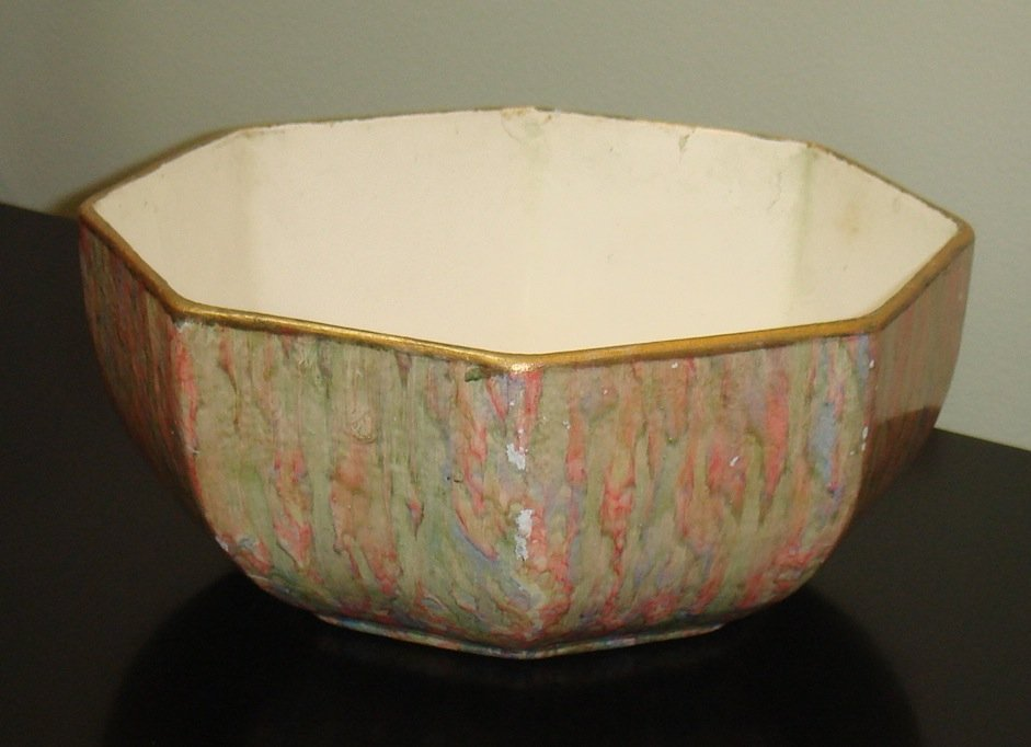 16: A pulp-ware bowl, English, circa 1930 9 x 20 x 20cm