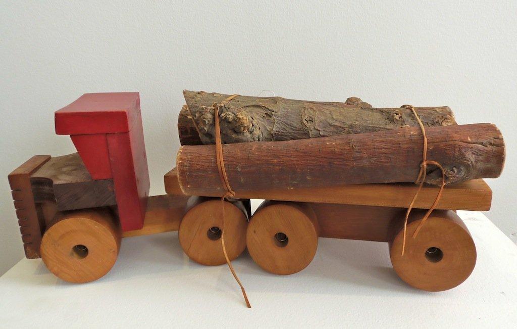 23: A model log Lorry 50cm long