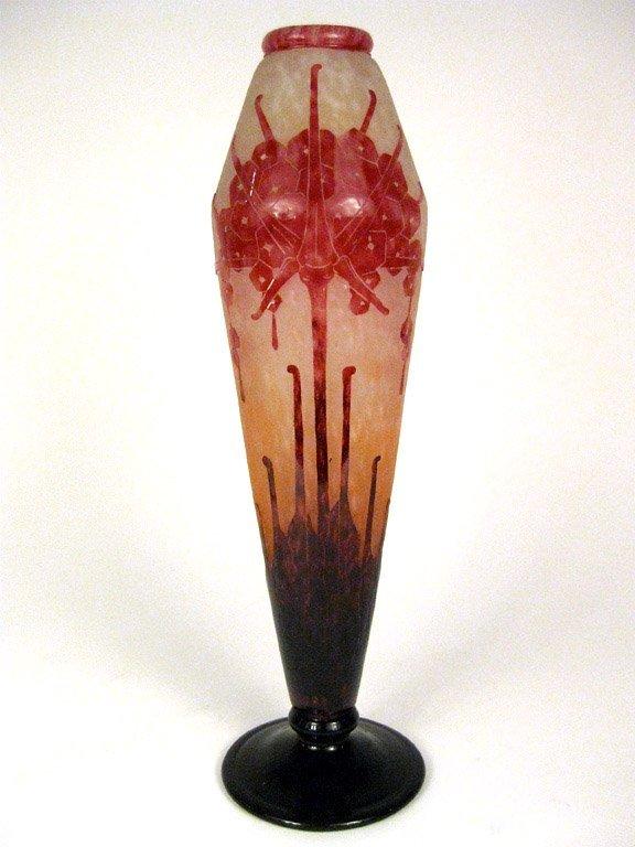 19: A stylish pink Schneider art-glass vase, French, ci