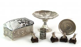 542: A collection of Chinese silver ornaments  comprisi