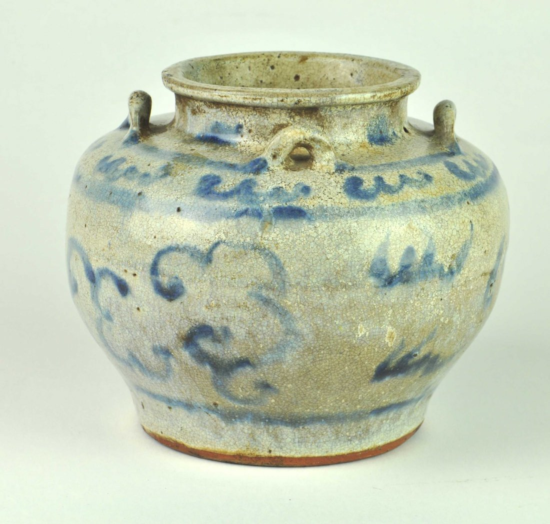 A Swatow blue and white jar, late Ming dynasty 16th/17t