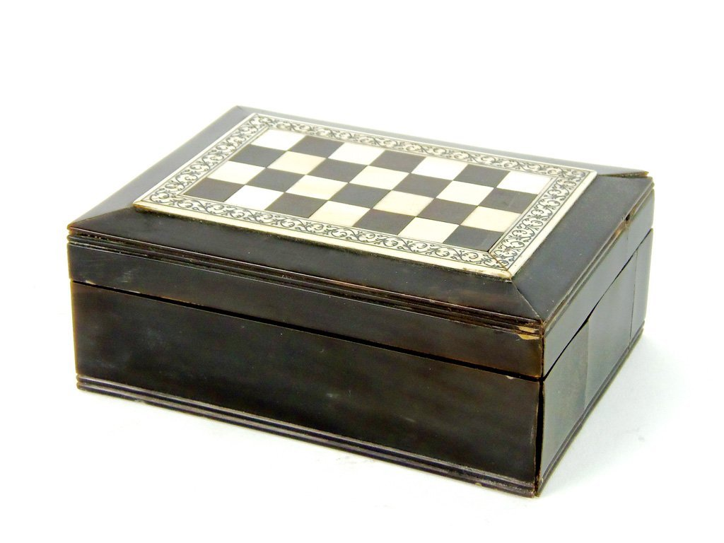 An ivory and tortoiseshell box, Anglo-Indian, 19th cent