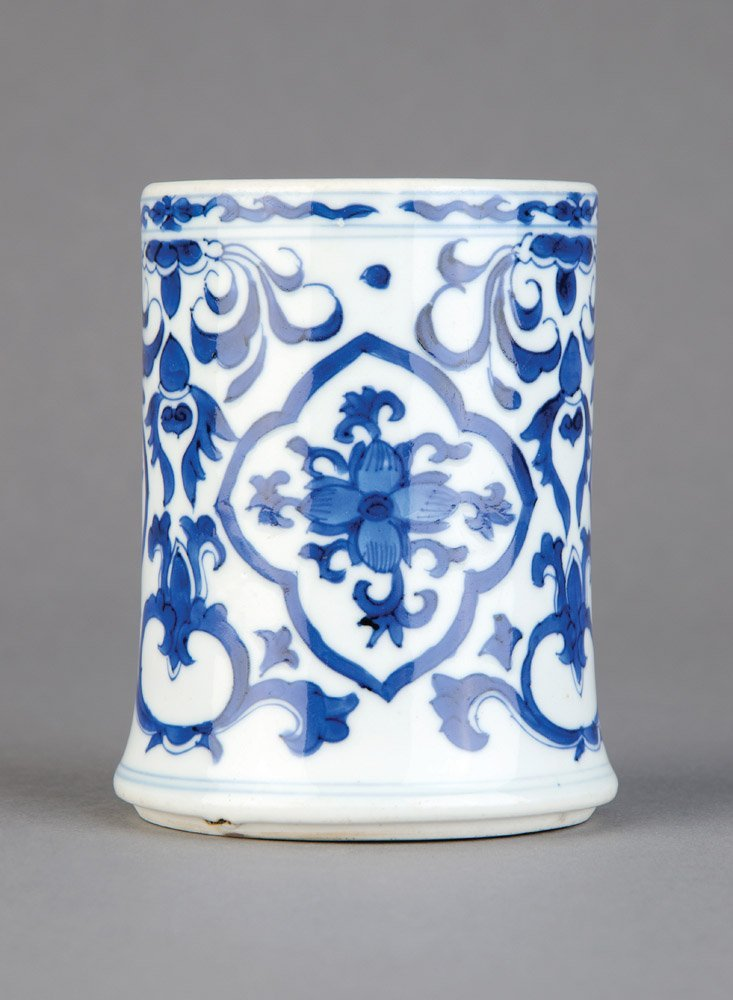 A Chinese cylindrical blue and white footed brushpot, e