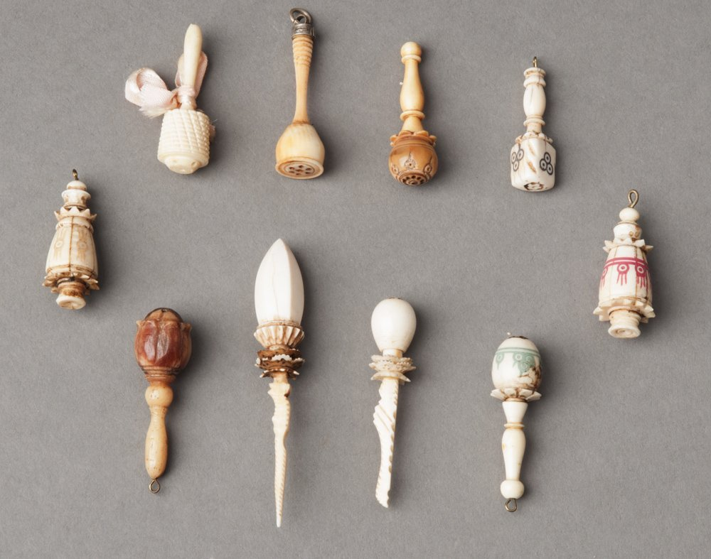 Viniagrettes: Group of 10 antique & vintage bone &